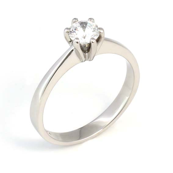 ER120 Solitaire engagement ring with diamond in a six claw setti