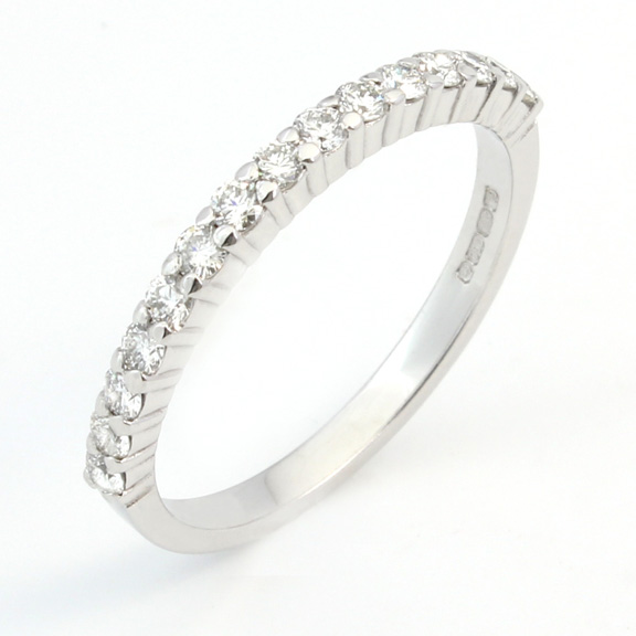 319 - Narrow claw set wedding ring