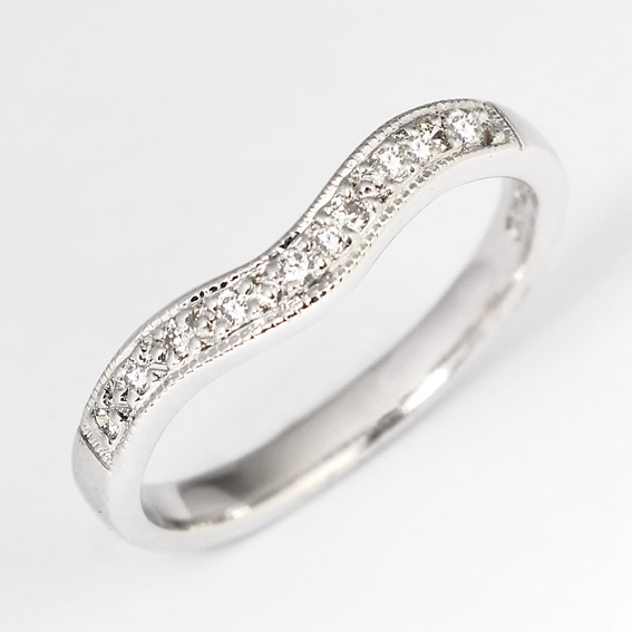 636 2.5mm shaped ring with grain set diamonds and millgrain edge
