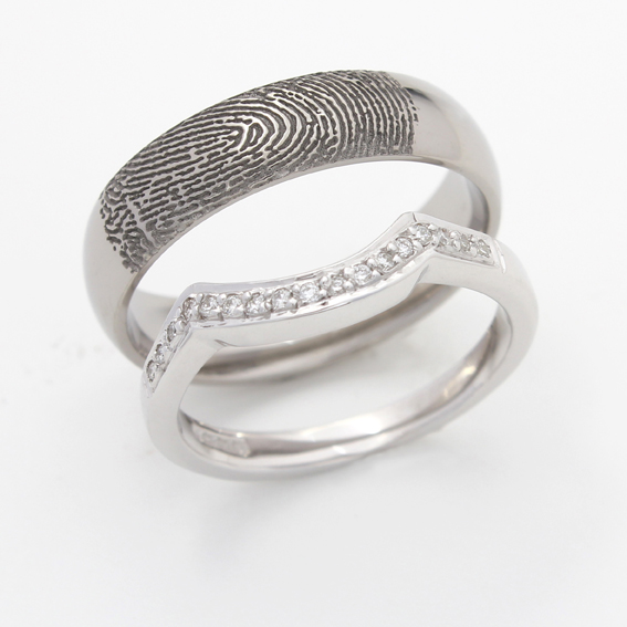 Fingerprint wedding ring diamond set wedding ring