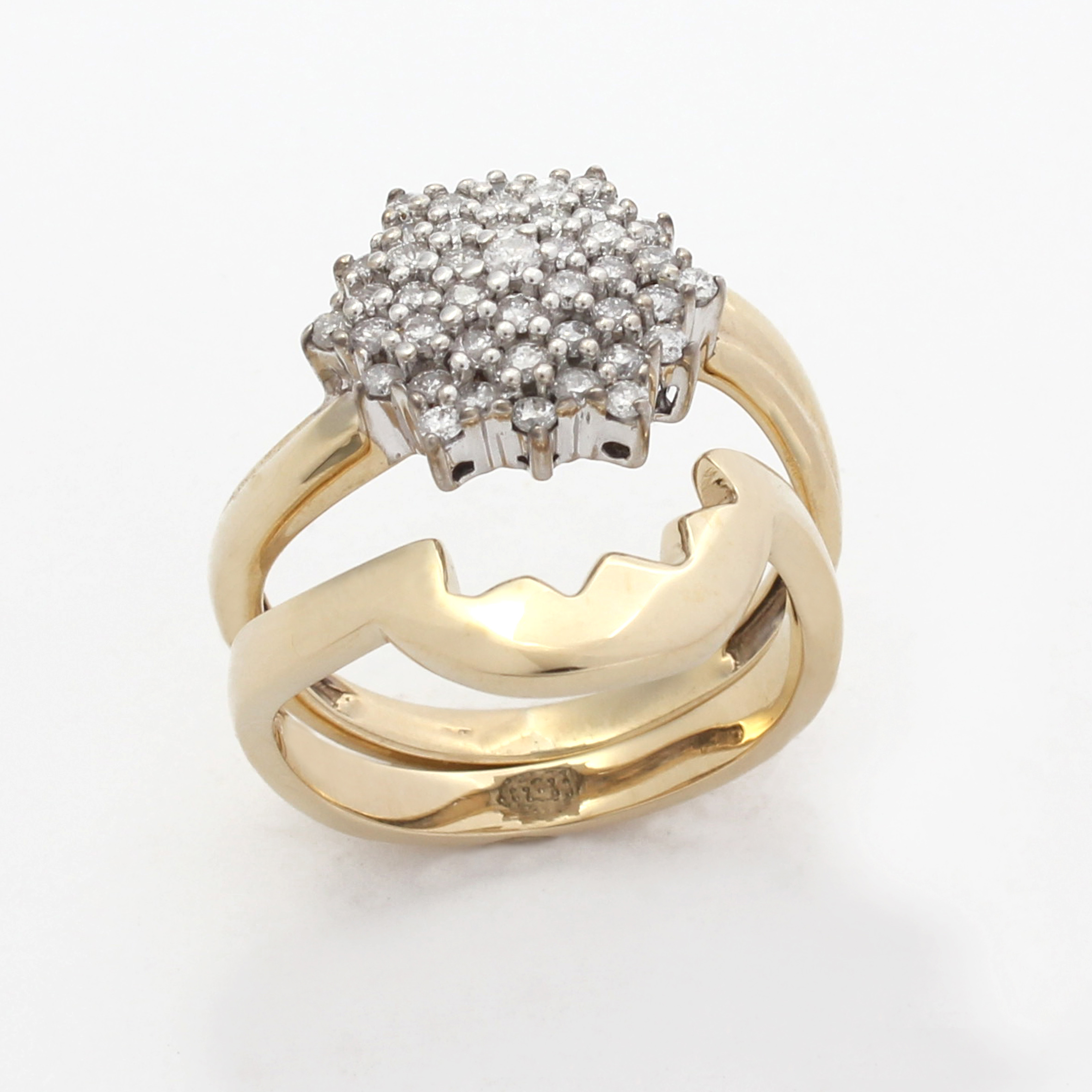 Shaped wedding ring to fit cluster engagement ring exactly