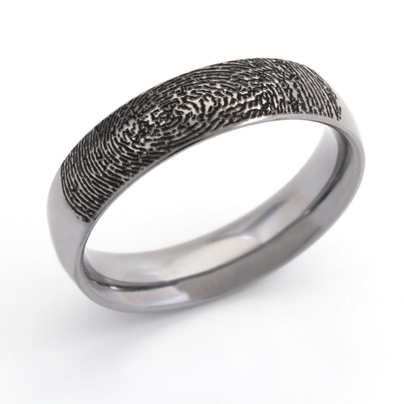 Tantalum ring with fingerprint