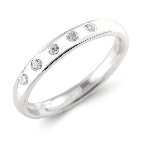207 - 3mm wide set with five 2pt round diamonds.